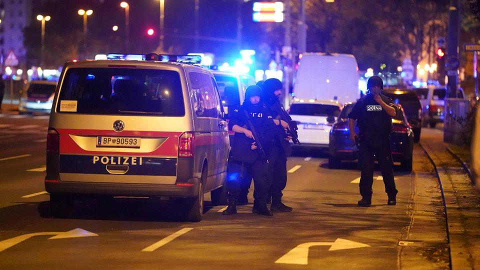 Schüsse in Wien: Das Innenministerium spricht von einem Terroranschlag