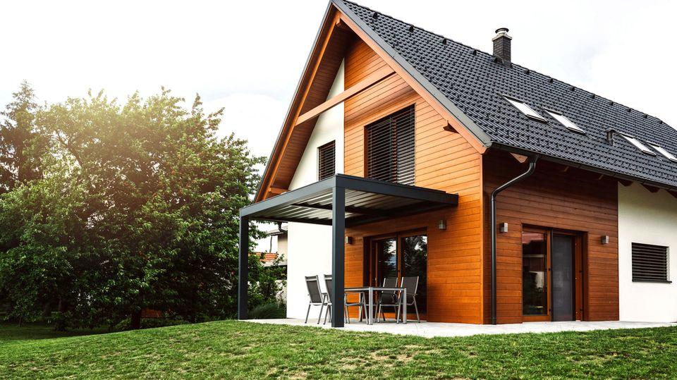 Ratgeber Eigenheim: Immobilie kaufen oder weiter mieten? Diese vier Fragen sollten Sie sich vorab stellen