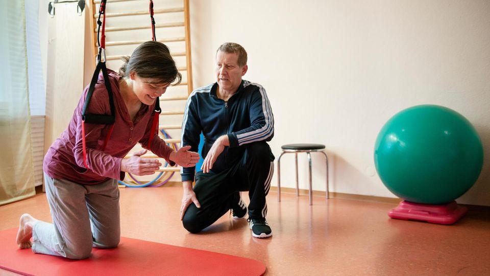 Abja Reumschüssel bei der Physiotherapie