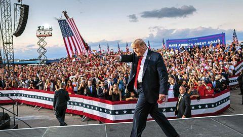 Auch Covid-19 schien ihm nichts anhaben zu können: Trump lässt sich Mitte Oktober nach seiner Erkrankung von Anhängern feiern