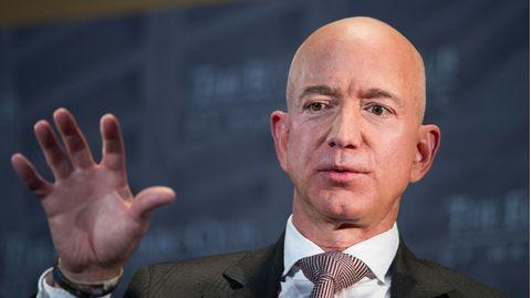 Jeff Bezos spricht im Economic Club of Washington auf der Milestone Celebration