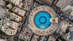 """Der Swimmingpool des Hotels """"Isrotel Tower""""befindet sich auf dem Dach – in 108 Meter Höhe. Von dort hat man einen schönen Rundumblick auf Stadt und Meer."""