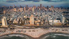Bild 1 von 8der Fotostrecke zum Klicken:Israels Metropole am Mittelmeer erlebt einen Boom als Start-up- und Hightech-City. Neue Wohn- und Bürokomplexe treffen hier auf 80 Jahre alte Bauhaus-Ikonen.