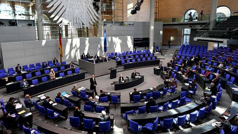 Aktuell umfasst der Bundestag 709 Abgeordnete.