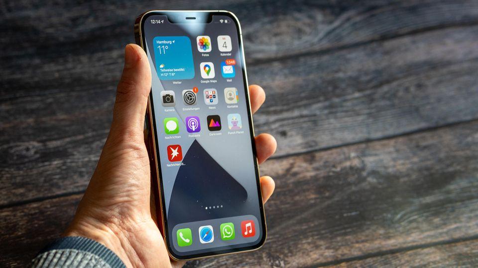 Ein ganz schöner Brocken: Das iPhone 12 Pro Max.