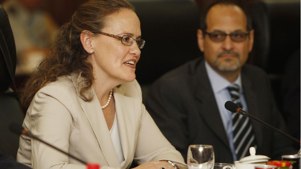 Bidens mögliche Kandidaten fürs Kabinett: Michèle Flournoy