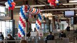 Für den letzten Flug wurde das Gate C38 mit Ballons in den Farben der französischen Trikolore geschmückt.