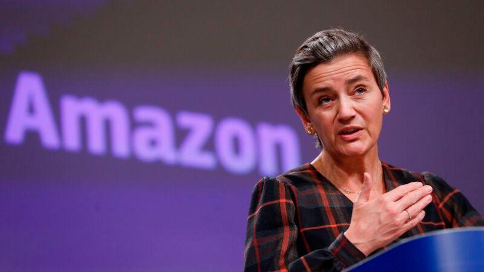 Margrethe Vestager spricht auf einer Pressekonferenz zum Amazon-Kartellverfahren