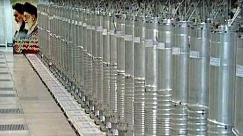 Zentrifugen für die Urananreicherung stehen in der Atomanlage Nathans