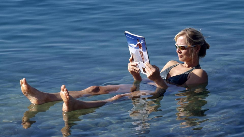 Urlauberin am Toten Meer