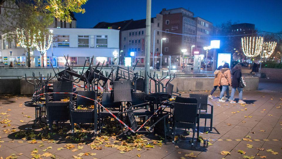 Restaurants, Bars und Kneipen, wie hier ein Lokal in Hannover,müssen im November geschlossen bleiben. Am 23. soll in Berlin die Entscheidung über mögliche Lockerungen fallen.