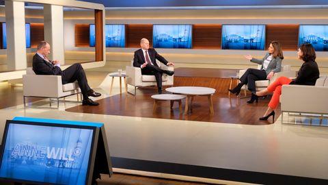 Friedrich Merz (CDU), Olaf Scholz (SPD), Anne Will (Moderatorin), Annalena Baerbock (Bündnis 90/Die Grünen)