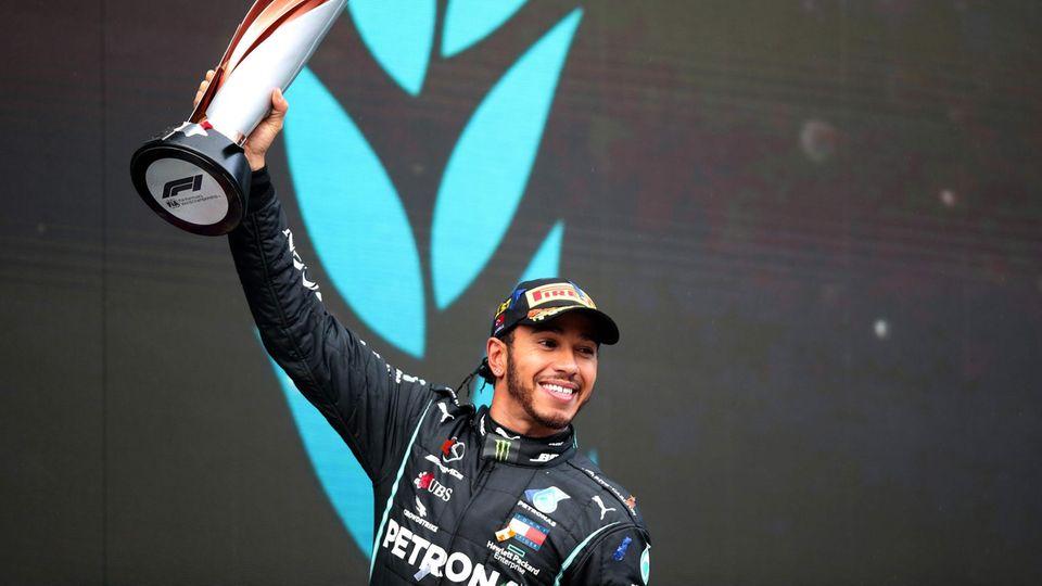 Sieben Mal Weltmeister: LewisHamilton hat an Weltmeister-Titeln mit Michael Schumacher gleichgezogen