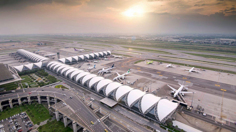 Thailand: Suvarnabhumi International Airport (BKK)  Bangkoks neuer Flughafen ist seit 2006 in Betrieb und ein Entwurf des deutsch-amerikanischen Architekten Helmut Jahn.