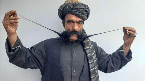 Aghane ist berühmt für seinen Schnurrbart