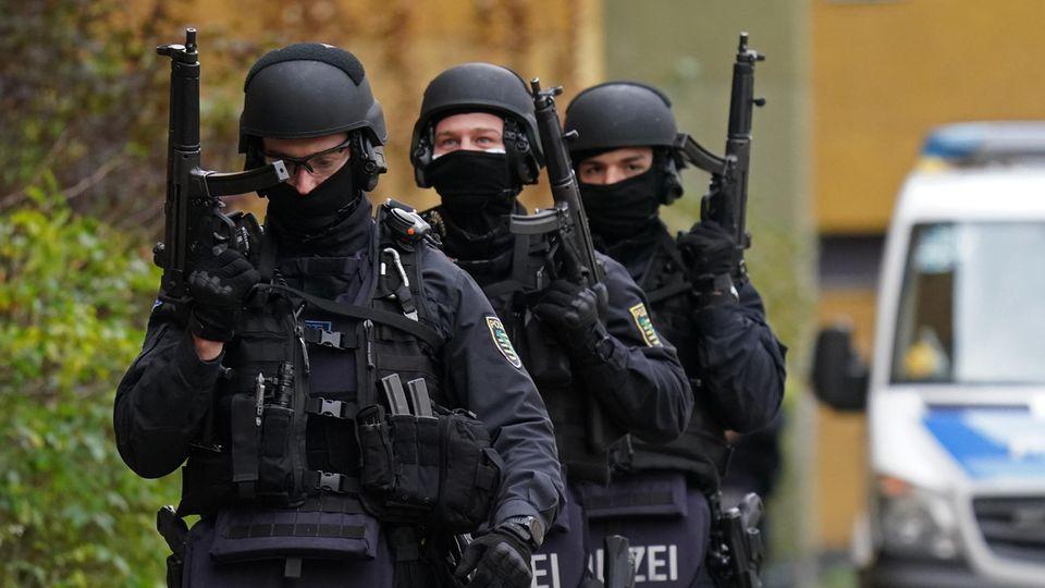 Polizeieinsatz in Berlin nach Diebstahl aus dem grünen Gewölbe in Dresden vor einem Jahr