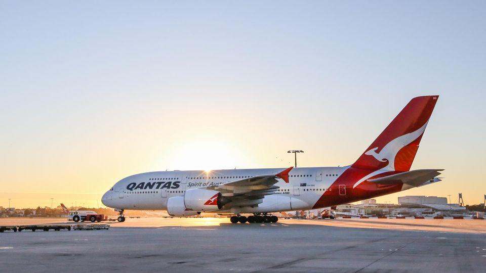 Im Jahre 2008 stießen die ersten von ursprünglich 20 bestellten Airbus A380 zur Flotte. Von Anfang an gab es vier Reiseklassen. Seit 2019 erhalten die zwölf ausgelieferten A380 einen neue Kabinenausstattung in den Elbe Flugzeugwerken in Dresden.