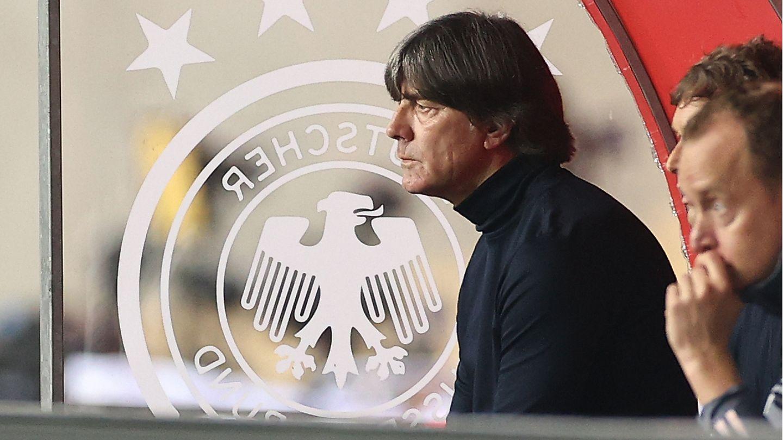 0:6-Schlappe gegen Spanien: Joachim Löw auf der Bank des DFB-Teams