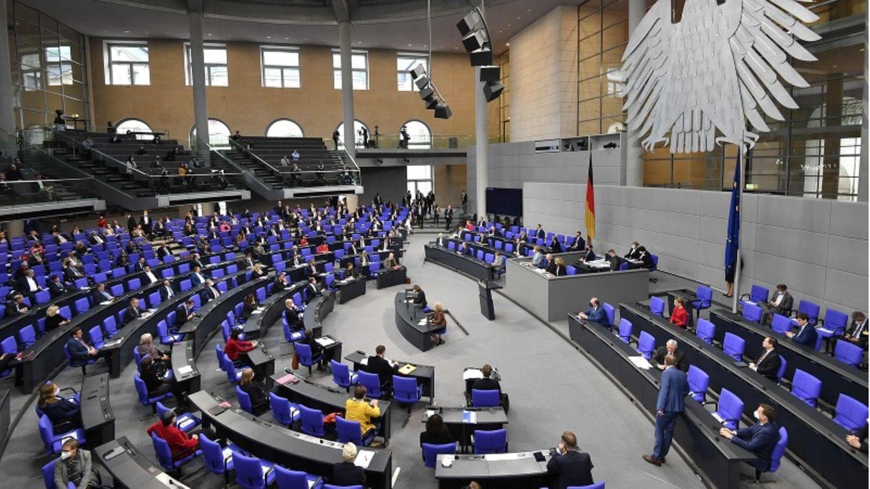 Im Bundestag wird heute über ein Infektionsschutzgesetz abgestimmt.