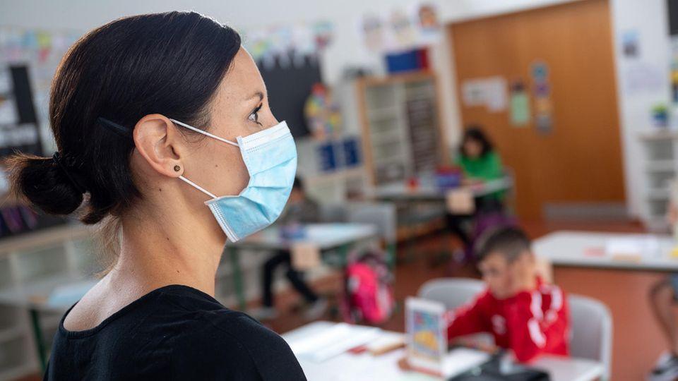 Inzidenz bei 276,1: Wie Schulen trotz steigender Corona-Zahlen offenbleiben können