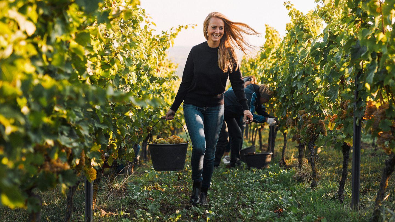 Juliane Eller bei der Ernte