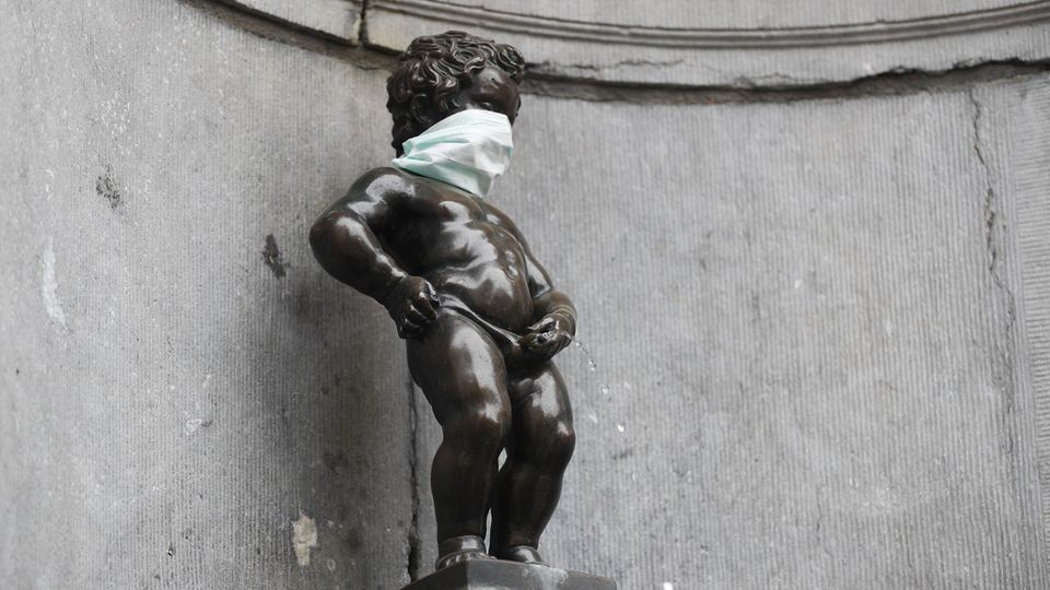 Manneken Pis in Belgiens Hauptstadt Brüssel während der Coronavirus-Pandemie
