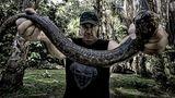 """""""Es ist äußerst selten, dass man im Dschungel Tiere zu sehen bekommt. Man hört sie zwar überall, aber sie leben sehr versteckt und getarnt"""", sagt Till Lindemann. """"Doch mithilfe der örtlichen Guides konnten wir Schlangen, Vögel, Affen und einen Tapir beobachten."""""""