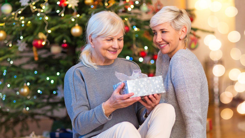 Geschenke für die Mama kommen von Herzen