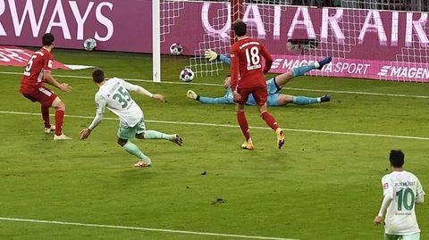 Fußball-Bundesliga Maximilian Eggestein von Werder Bremen trifft gegen den FC Bayern München