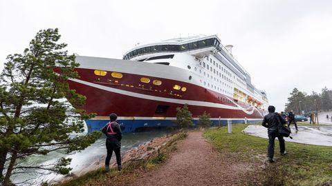 """News am Wochenende: Viking """"Grace"""" in der Nähe der Åland-Inseln in Finnland"""