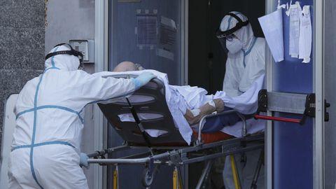 Corona-Infektionen: Wieder überfüllte Kliniken, wieder stauen sich die Rettungswagen – in Italien wird die Lage dramatisch