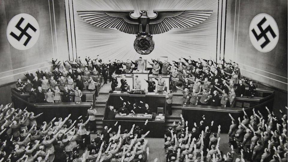 Von Eintopf bis Kulturschaffende: Welche Begriffe und Worte aus der NS-Zeit noch heute von uns benutzt werden