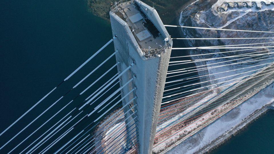 Die wichtige Russki-Brücke ist gesperrt.