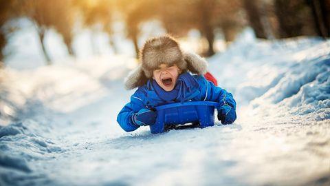 Ratgeber: Raus aus dem Haus! Warum Kinder gerade im Corona-Winter Bewegung brauchen