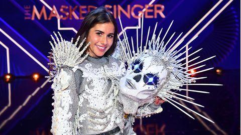 """Sarah Lombardi als Skelett gewinnt die dritte Staffel von """"The Masked Singer"""""""
