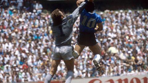"""""""Das war die Hand Gottes"""", sagte Diego Maradon zu seiner legendärsten Aktion"""