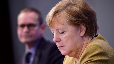 Angela Merkel erklärt bei einer Pressekonferenz die neuen Corona-Regeln für den kommenden Dezember