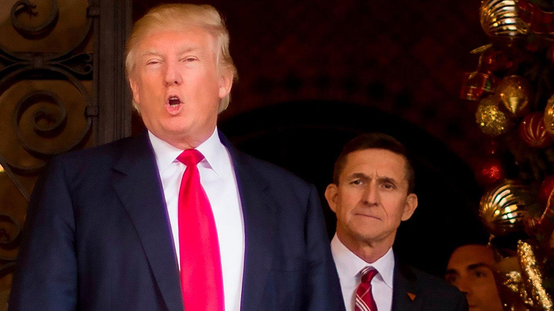 Donald Trump und sein damaliger Sicherheitsberater Michael Flynn im Dezember2016