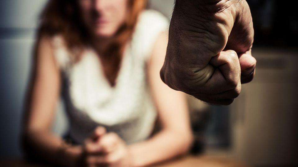 Häusliche Gewalt passiert in allen Gesellschaftsschichten