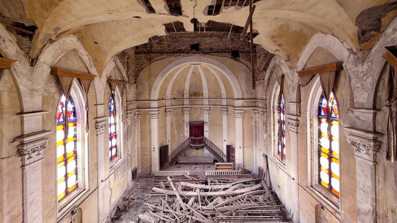 In der zweiten Hälfte des 20. Jahrhunderts hat sich die Gemeinde der Holländisch-Deutschen Kongregation aufgelöst. Seitdem verfällt deren Gotteshaus in einer italienischen Hafenstadt.