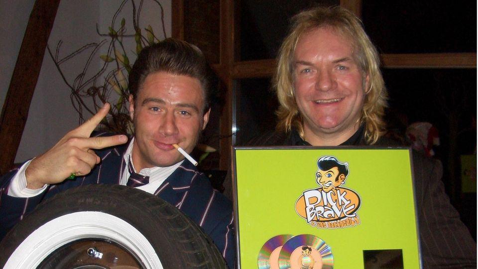 Sänger Sasha mit seinem langjährigen Lichttechniker Jens Lindschau