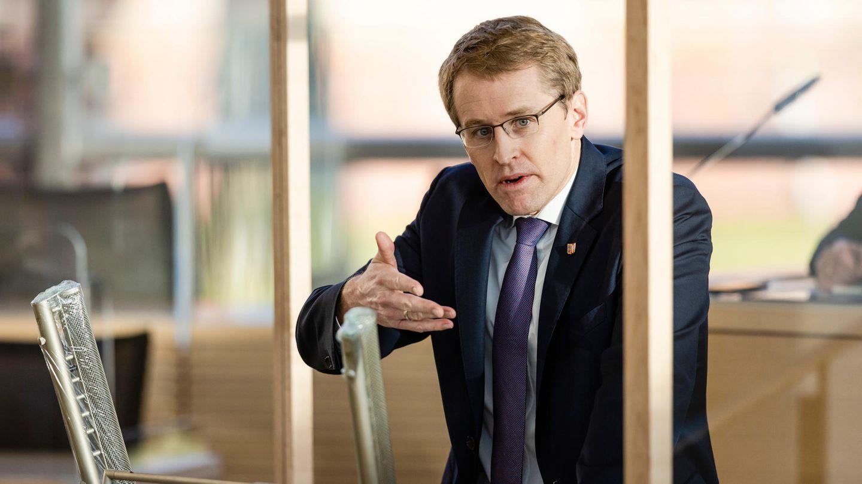 Schleswig-Holstein, Kiel: Daniel Günther (CDU), Ministerpräsident von Schleswig-Holstein, spricht im Landtag