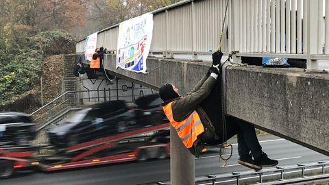 Protestaktion an der Autobahn 2