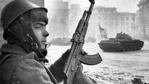 Über Jahrzehnte war die AK die Ordonnanzwaffe der Roten Armee.
