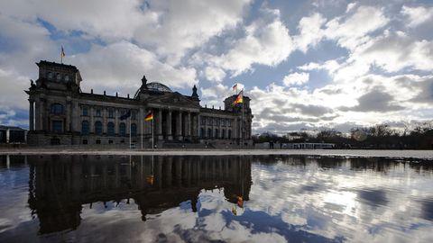 Bundestag muss Bundeshaushalt 2021 noch beschließen