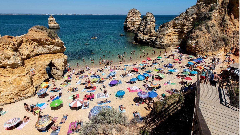 Mit Ausnahme der Inselgruppe Madeira stufen die deutschen Behörden nun auch ganz Portugal als Corona-Risikogebiet ein.