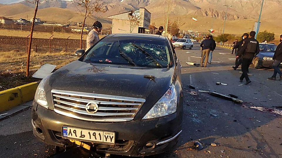Ein Bild des staatlichen iranischen Fernsehens Irib zeigt das Auto vonMohsen Fakhrizadeh nach dem Angriff
