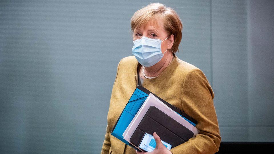 Angela Merkel richtet sich in einer Videobotschaft an die Bürger