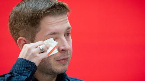 Kevin Kühnert den Tränen nahe: Sein emotionaler Abschied von den Jusos im Video