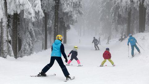 Der saarländische Ministerpräsident Tobias Hans (CDU)begrüßt die bayerische Regelung, wonach auch Tagestouristen, die zum Skifahren nach Österreich reisen, anschließend zehn Tage in Quarantäne müssen.